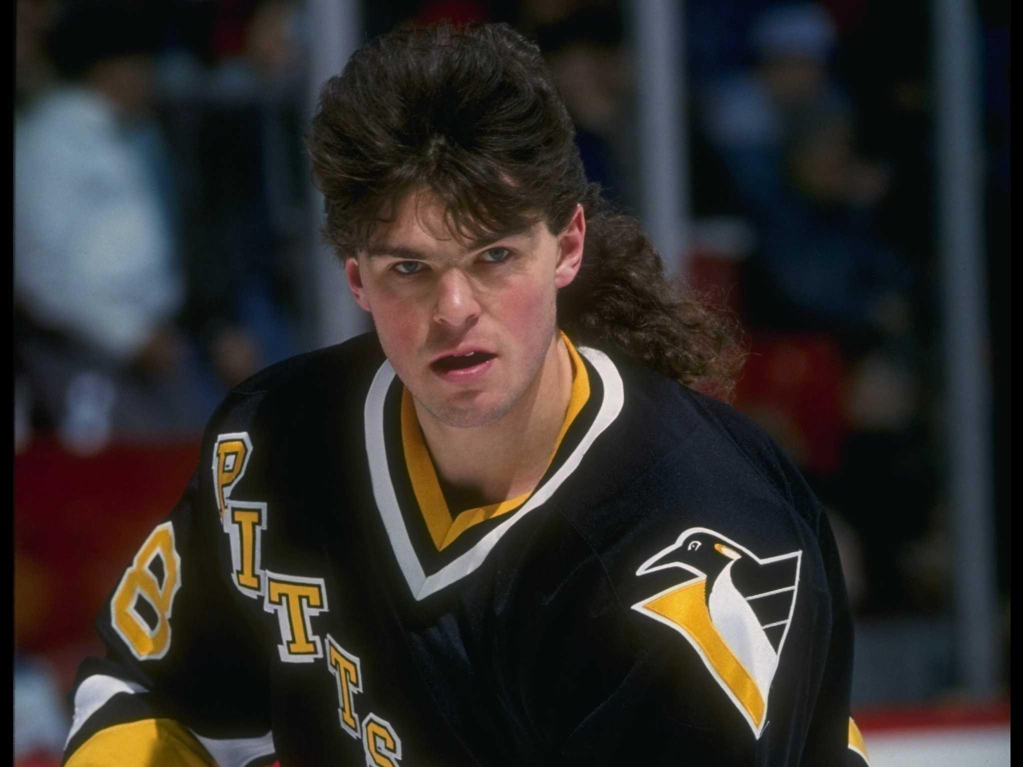 Bruins-star-jaromir-jagr-listed-his-favorite-player-growing-up-as-jaromir-jagr